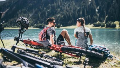Mountainbike und Rennrad