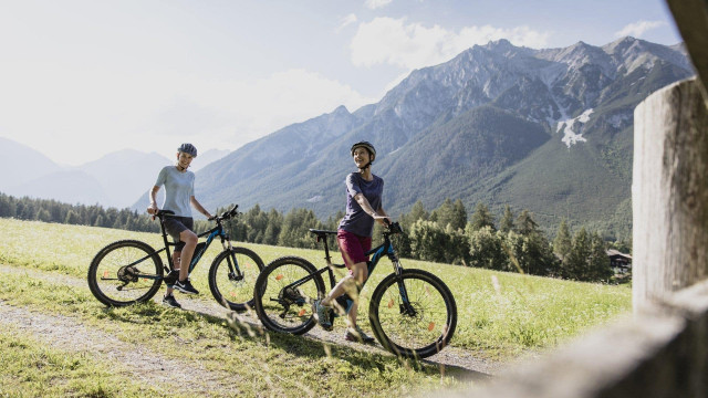 angebote-mountainbiken-wellness-tirol