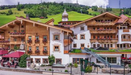 gaspingerhof aussenansicht Sommer Hotel